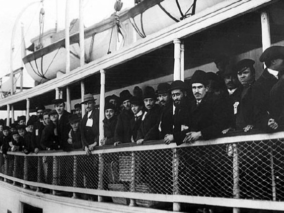 a look at immigration and discrimination in the 1920s